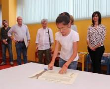 Acto de la firma de adopción