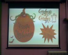 """Un 1º de ESO """"Halloweenizando"""" en nuestra biblioteca"""