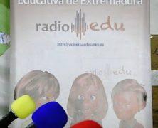 Jornada de radio educativa en la Feria del Libro de Mérida